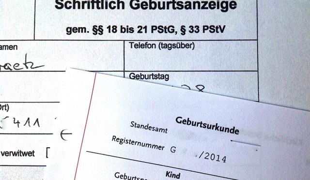 Anmeldung und Geburtsurkunde nach Alleingeburt
